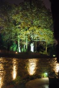2 pic for megaman flood 201x300 - Garden Lighting Gallery