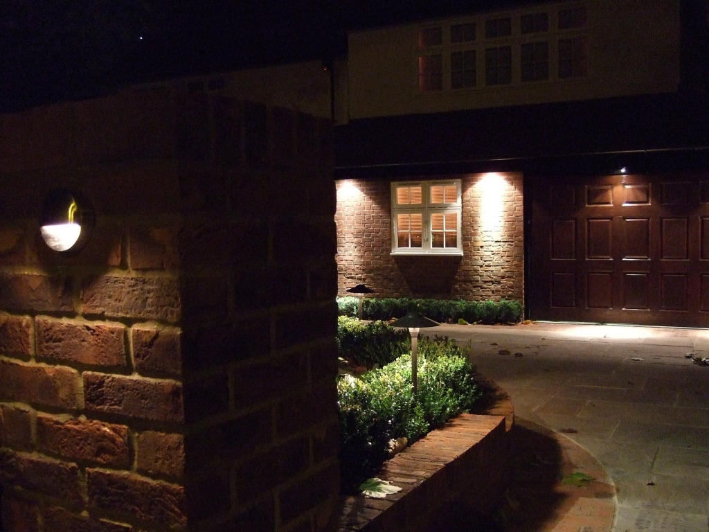 Contact garden Lighting London